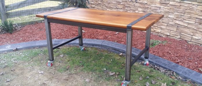 ... Reclaimed pine Modern Farmhouse Desk with Metal base ... - Amish Made Reclaimed Barn Wood Furniture Old Barn Star